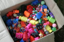 Box_of_toys2